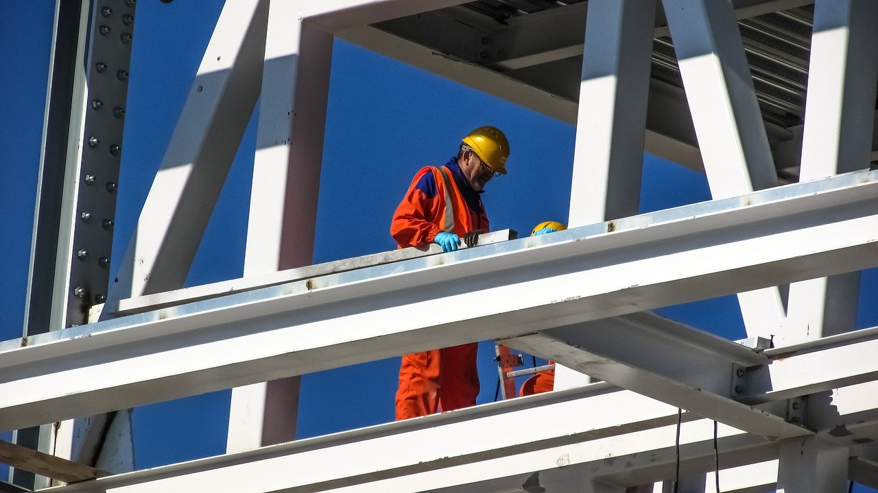 worker-1895691_1280